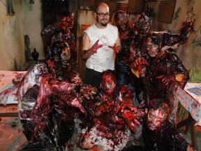 Rodrigo-Aragão-Zombie-Attack-Ottos-Bar
